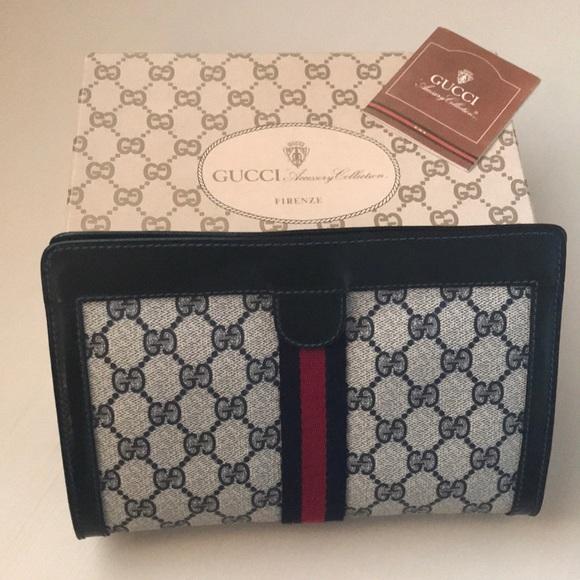 895cb336e4e Gucci Handbags - VINTAGE Gucci cosmetic bag